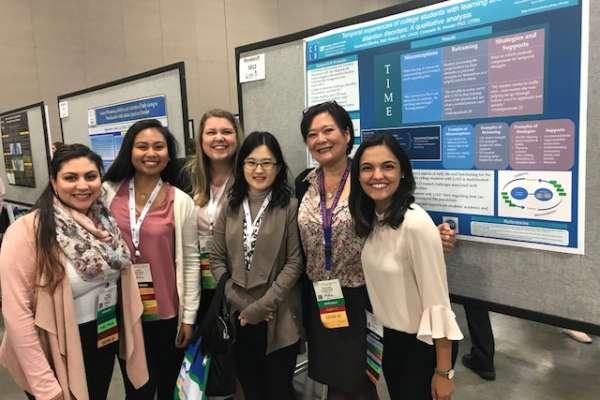 Left to right: Sharon Medina, Jianne Apostol, Mackenzi Slamka, Yoon, Consuelo Kreider, and Claudia Luna posing with a Kreider Lab research poster